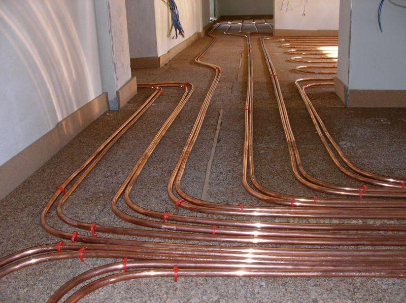 Impianti idraulici multistrato plastica rame ferro zingato - Tubi a vista in casa ...